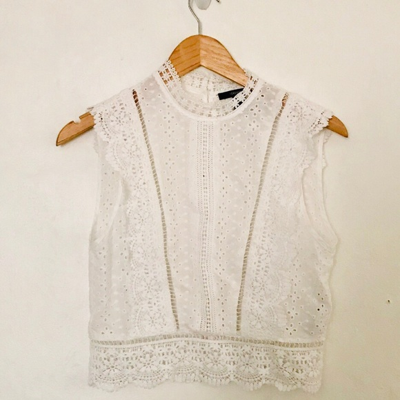 180d834f123 White crochet eyelet lace sleeveless crop top